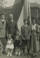 Photograph of Nouwen family