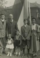 Photograph of Nouwen family